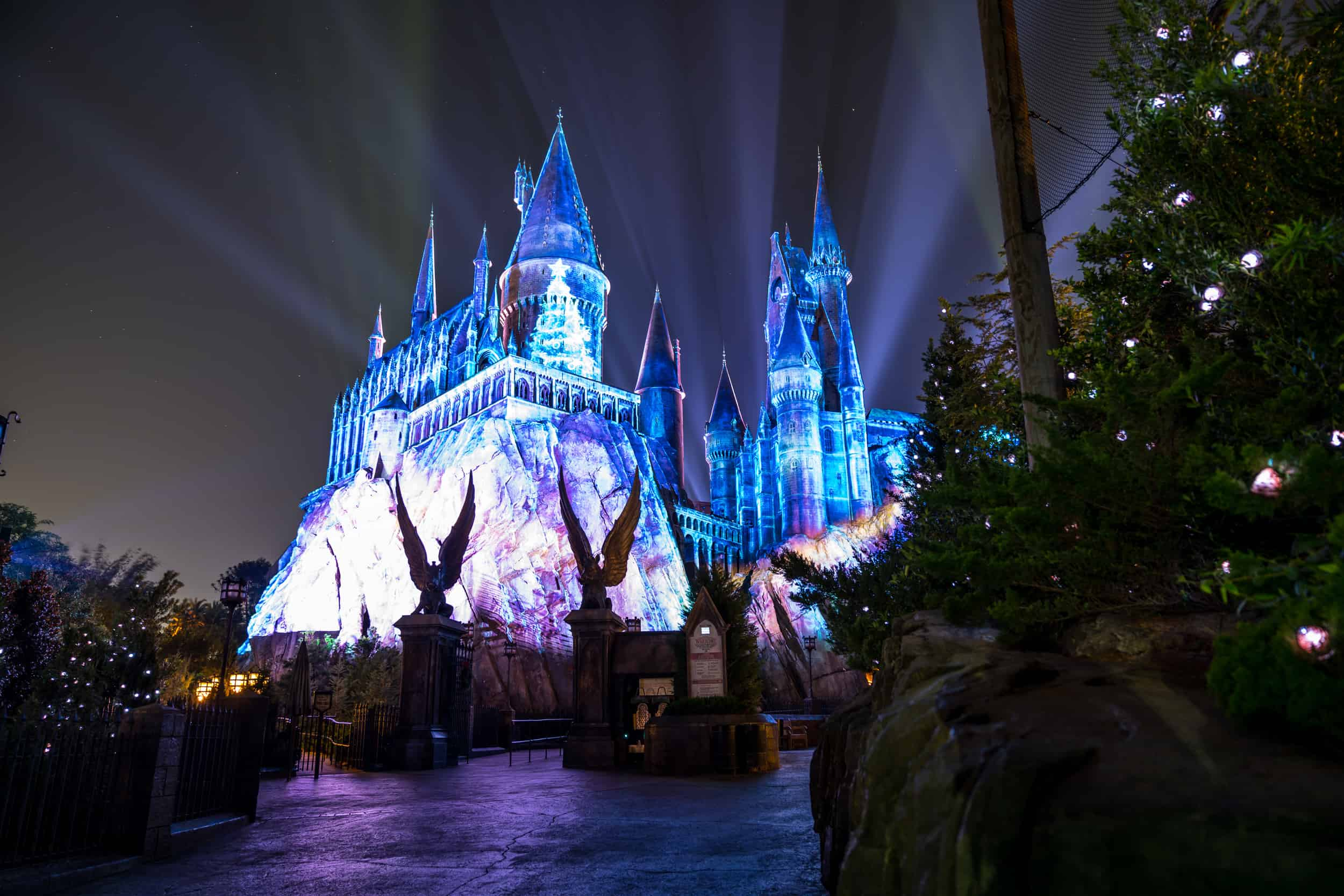 Harry Potter: 4 ways Hogsmeade is better than Diagon Alley