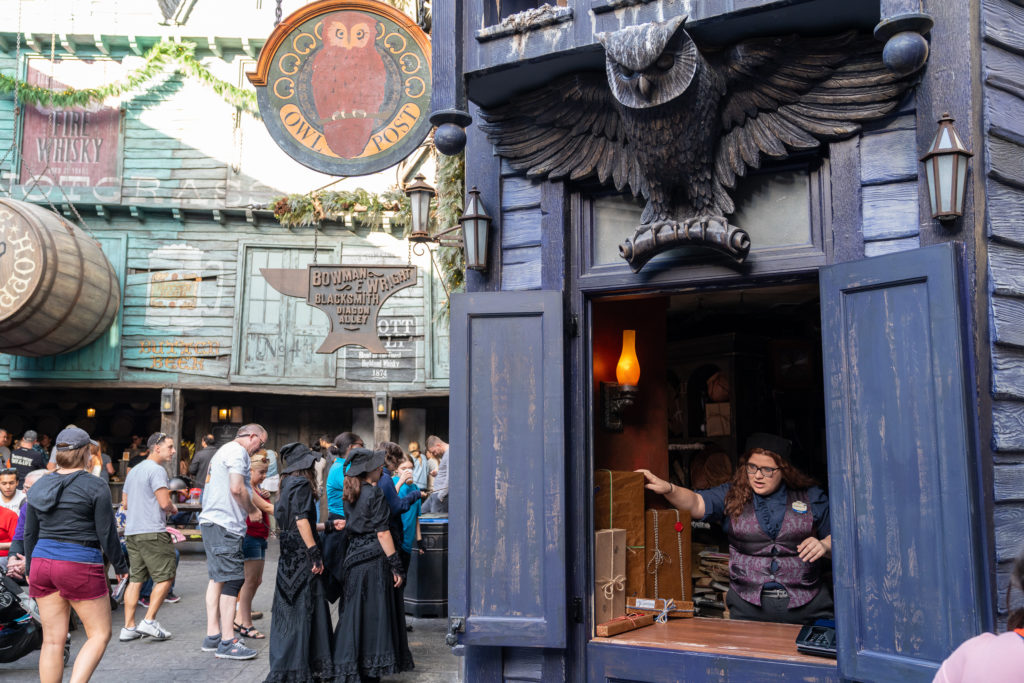 Owl Post at The Wizarding World of Harry Potter – Diagon Alley