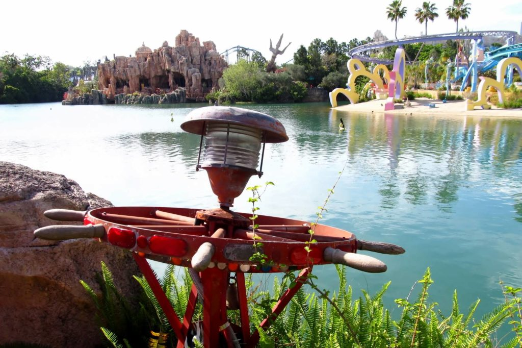 Port of Entry plaza at Islands of Adventure