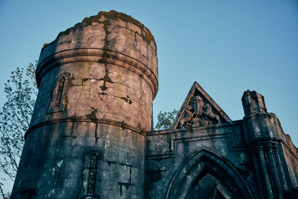 Green Man and unicorns on the ruins in Hagrid's Magical Creatures Motorbike Adventure