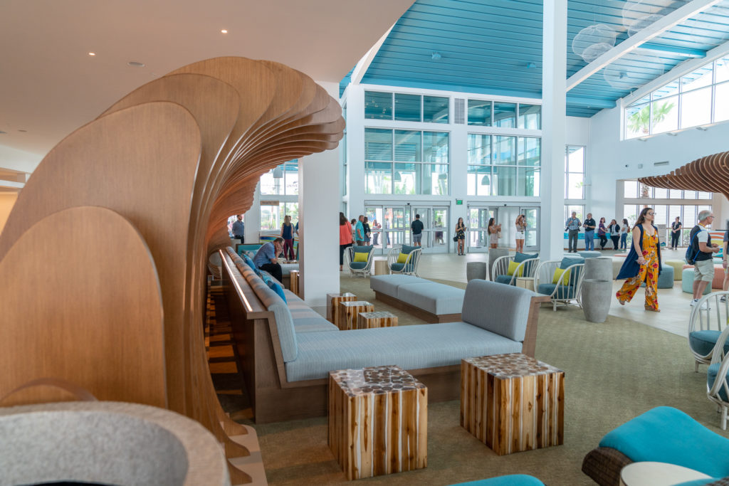 Surfside Inn and Suites's lobby