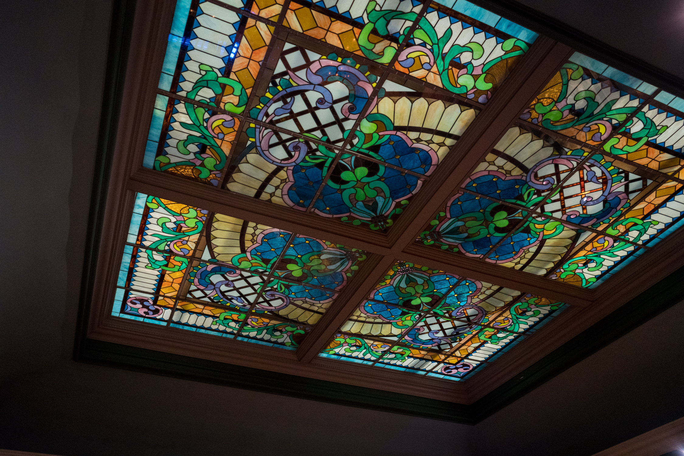 Lombard's Seafood Grille's interior stained glass decoration.