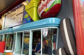 Disney mobile order pick-up window
