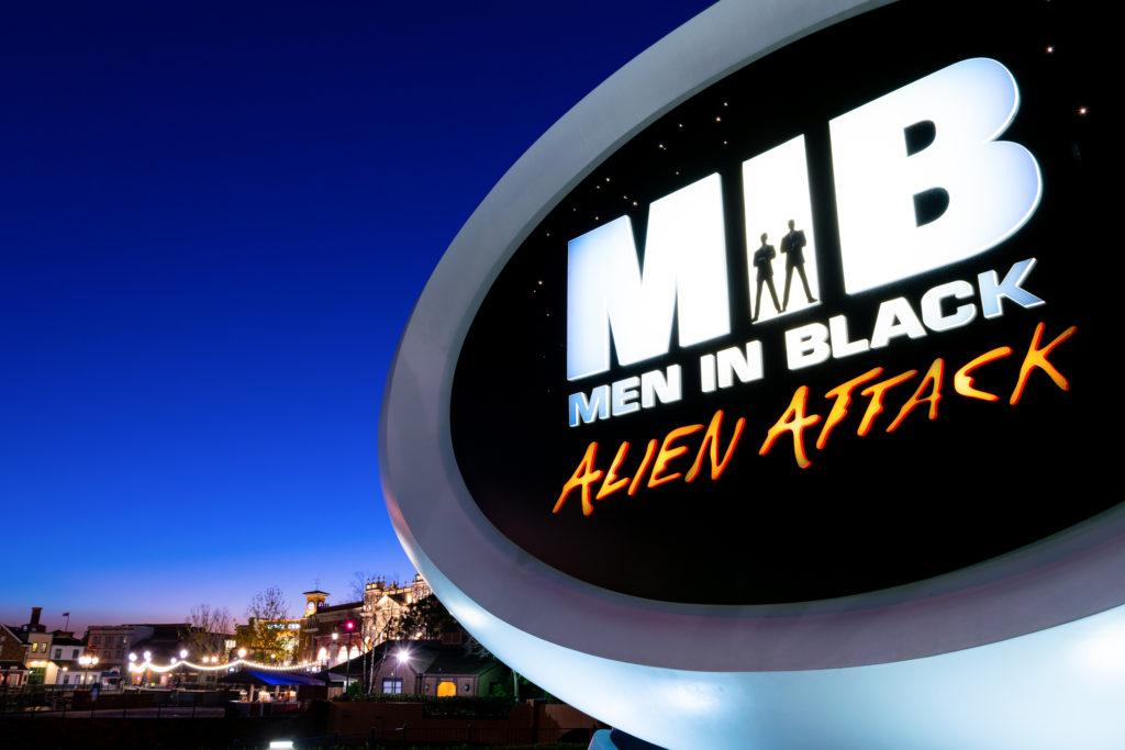 Men in Black: Alien Attack signage