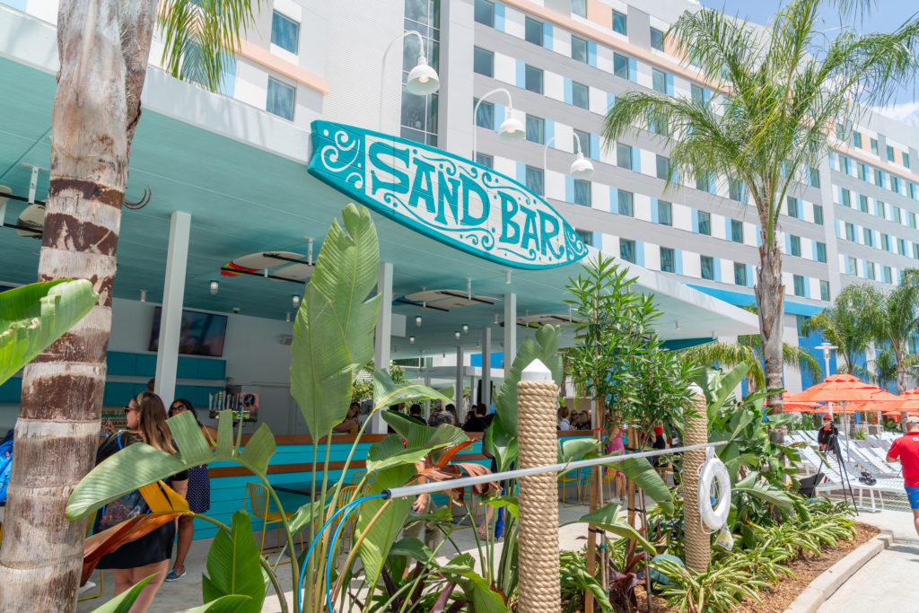 Sand Bar at Universal's Endless Summer Resort – Surfside Inn and Suites