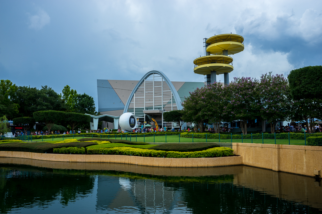 The World's Fair observation towers hover above the Men in Black Alien Attack ride building