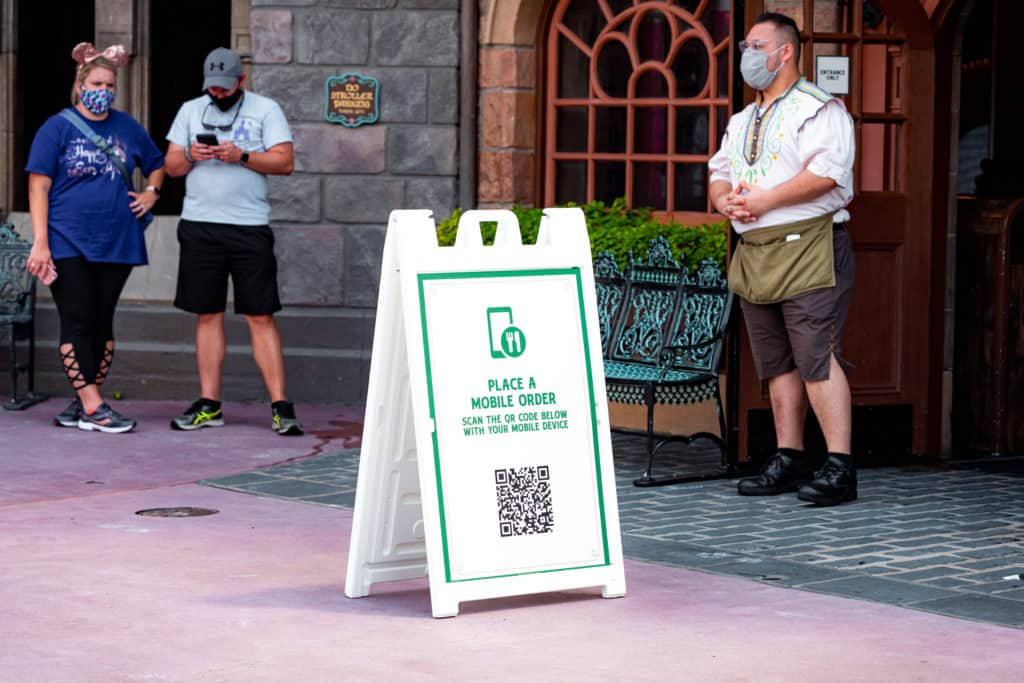 Mobile ordering at Magic Kingdom during covid-19