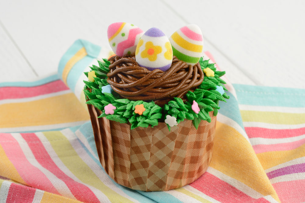 EGGStraordinare Cupcake Walt Disney World's Easter