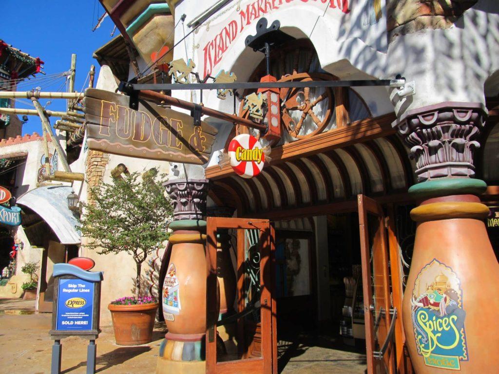 Inselmarkt und Export Candy Shoppe im Einreisehafen