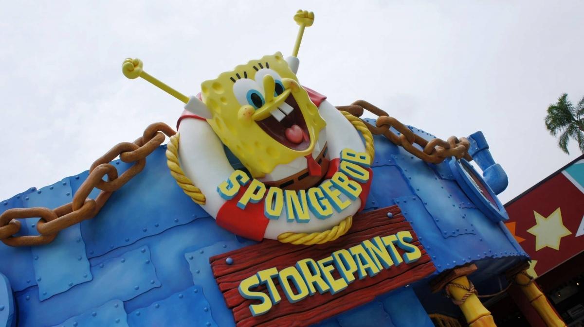 SpongeBob welcomes guests to SpongeBob StorePants