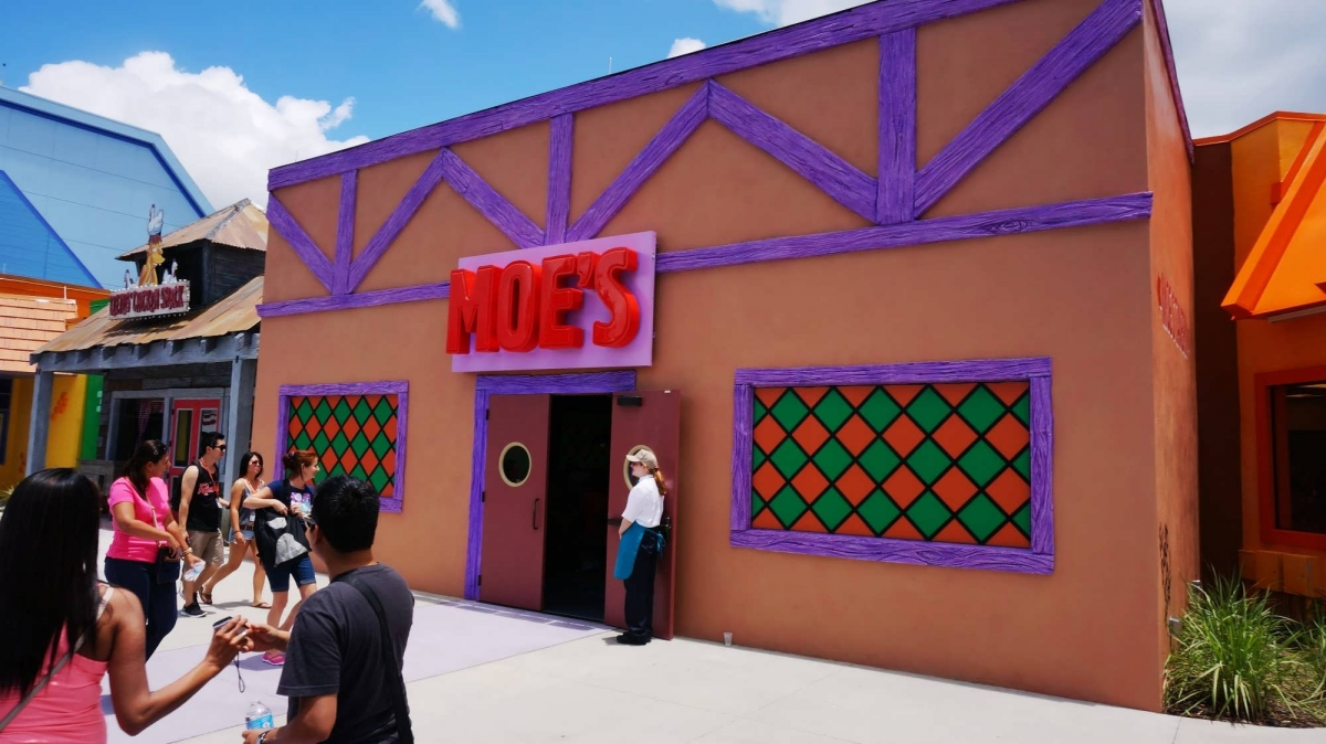 https://orlandoinformer.com/wp-content/uploads/photo-gallery/115/01-the-simpsons-fast-food-blvd-universal-studios-florida-exterior-0433-oi1.jpg
