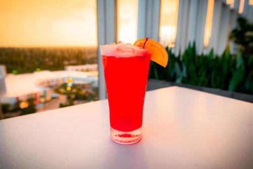 Bar 17 Bistro at Universal's Aventura Hotel
