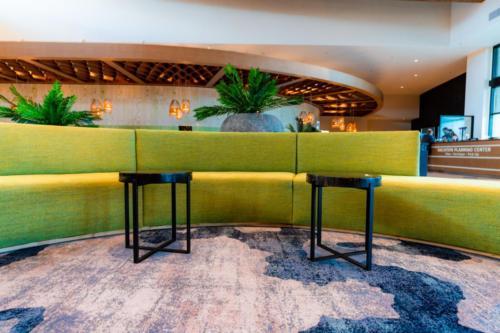 Dockside Inn and Suites lobby