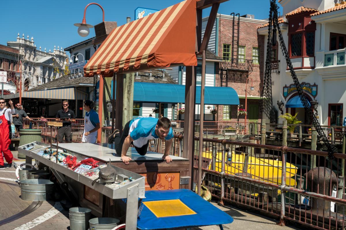 Flying fish market at universal studios florida orlando for Florida fish market