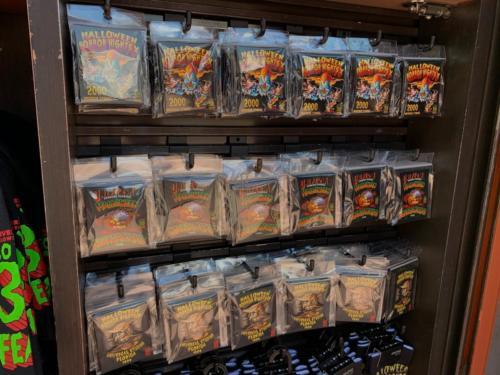 HHN CityWalk merch kiosk