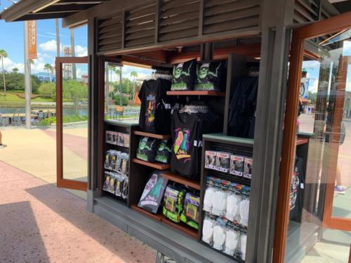 HHN CityWalk merch kiosk