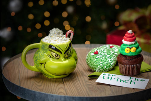 Grinch Cupcake and Cookie at Universal Orlando's Holidays 2019
