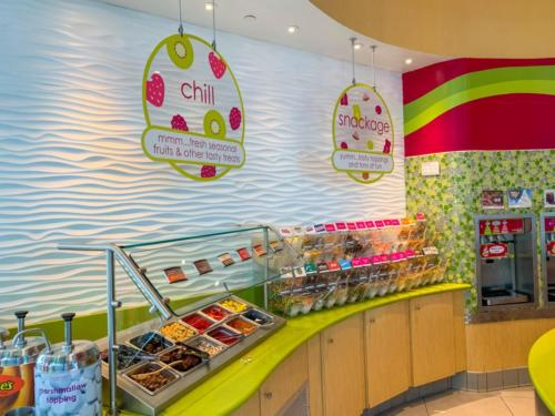 Menchie's Frozen Yogurt at Universal CityWalk 15