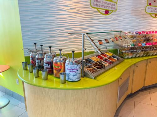 Menchie's Frozen Yogurt at Universal CityWalk 16