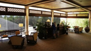 Loews Royal Pacific Resort lobby area