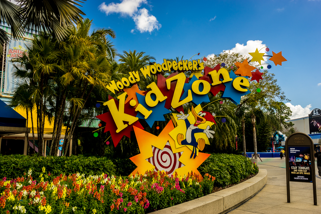 Entrance sign for Woody Woodpecker's KidZone