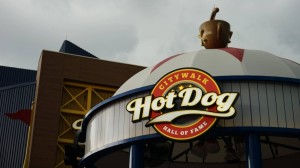 hot-dog-hall-of-fame-universal-citywalk-7931-oi