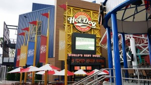 hot-dog-hall-of-fame-universal-citywalk-7933-oi