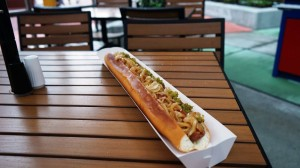 hot-dog-hall-of-fame-universal-citywalk-7968-oi